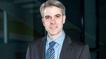 Anthony Bertelli ha vinto l'Herbert Simon Award