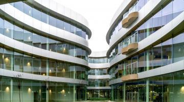 SDA Bocconi mantiene il suo posto tra i formatori di MBA d'elite con il riaccreditamento AMBA