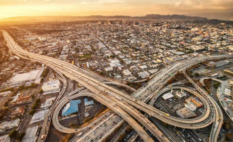 Lo spirito di Los Angeles corre sulle autostrade