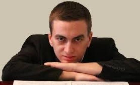 Yevgeni Galanov on the Piano at Bocconi
