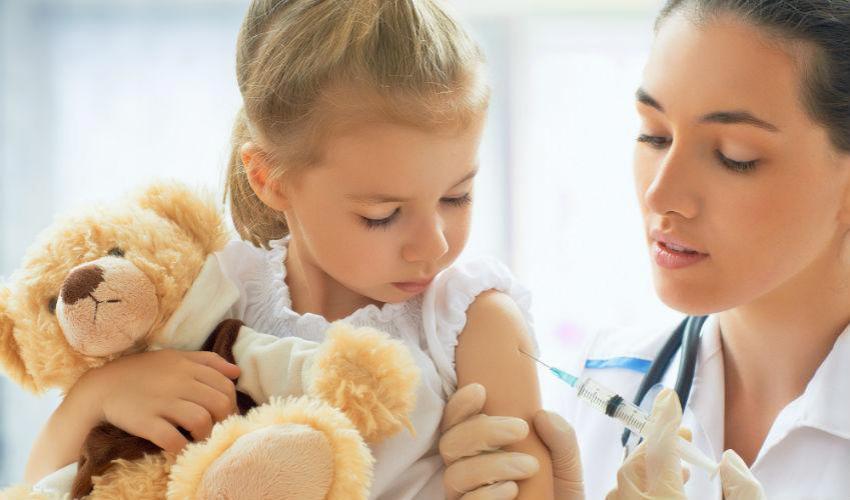 Vaccinazione obbligatoria per la scuola: politica efficace per contenere il morbillo nei paesi occidentali