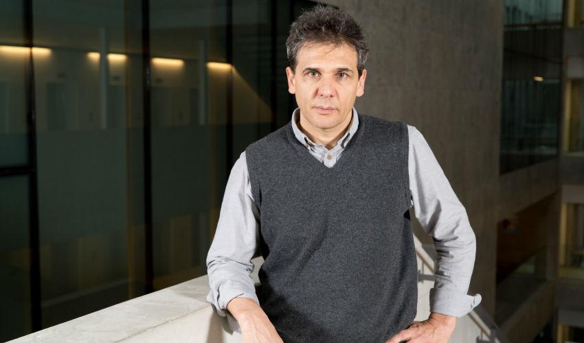 Riccardo Zecchina, l'uomo che insegna alle macchine come imparare