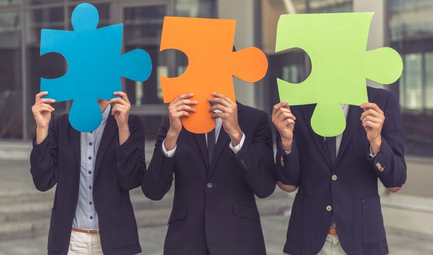 Social Networks Foster Entrepreneurship